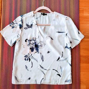 🎉3 for$10🎉 Dyamite Floral Top - Size XS